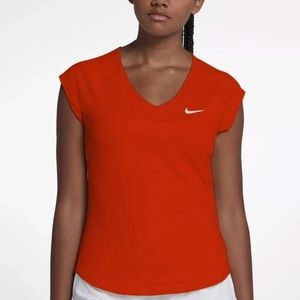 nike sportstee Nike dry _fit women's size Medium